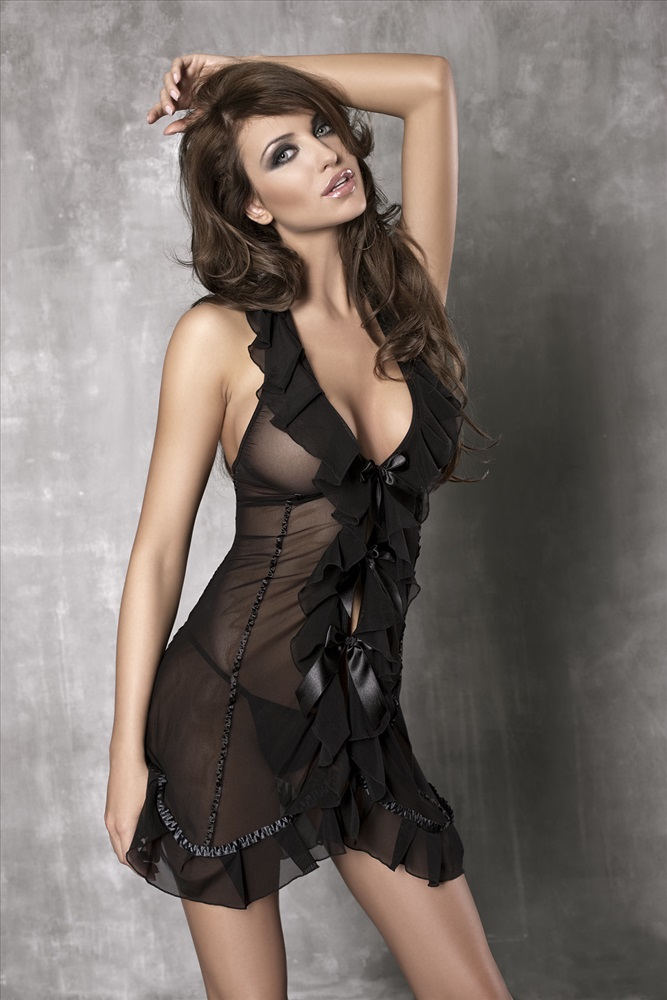 Брюнетки прозрачных платьях фото высокого качества